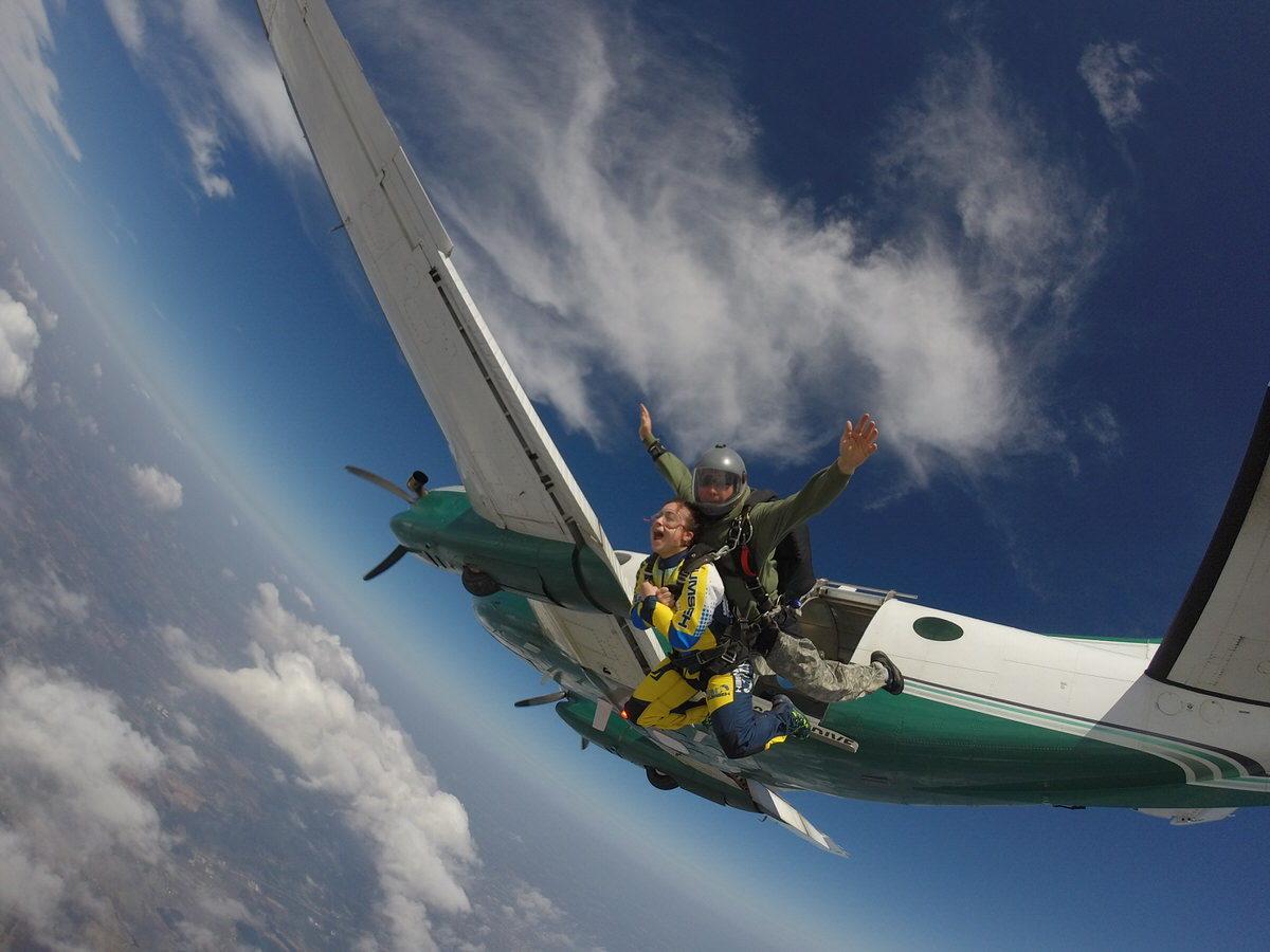 skydiving with Skydive Tecumseh