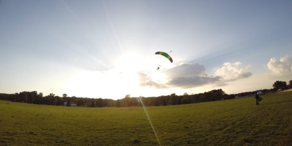 skydiving vs parachuting