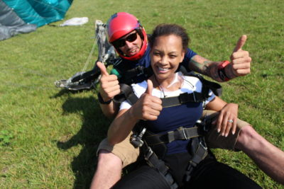 advantages of skydiving