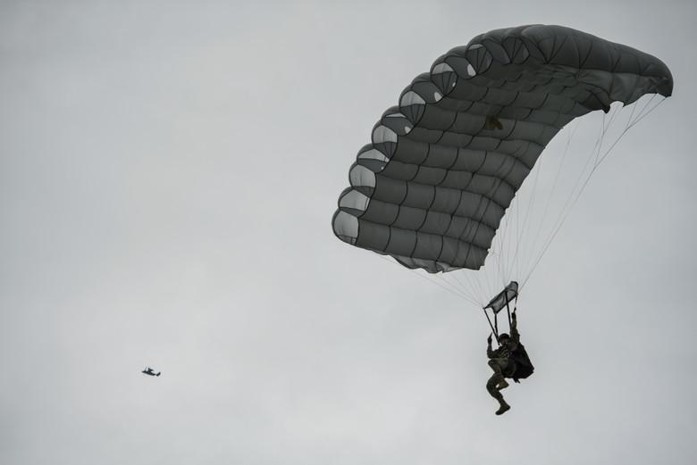 parachute history