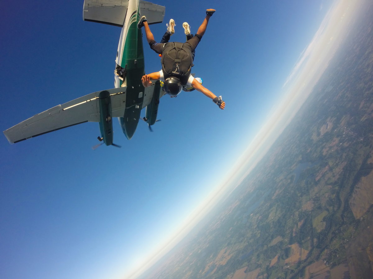 should you eat before skydiving